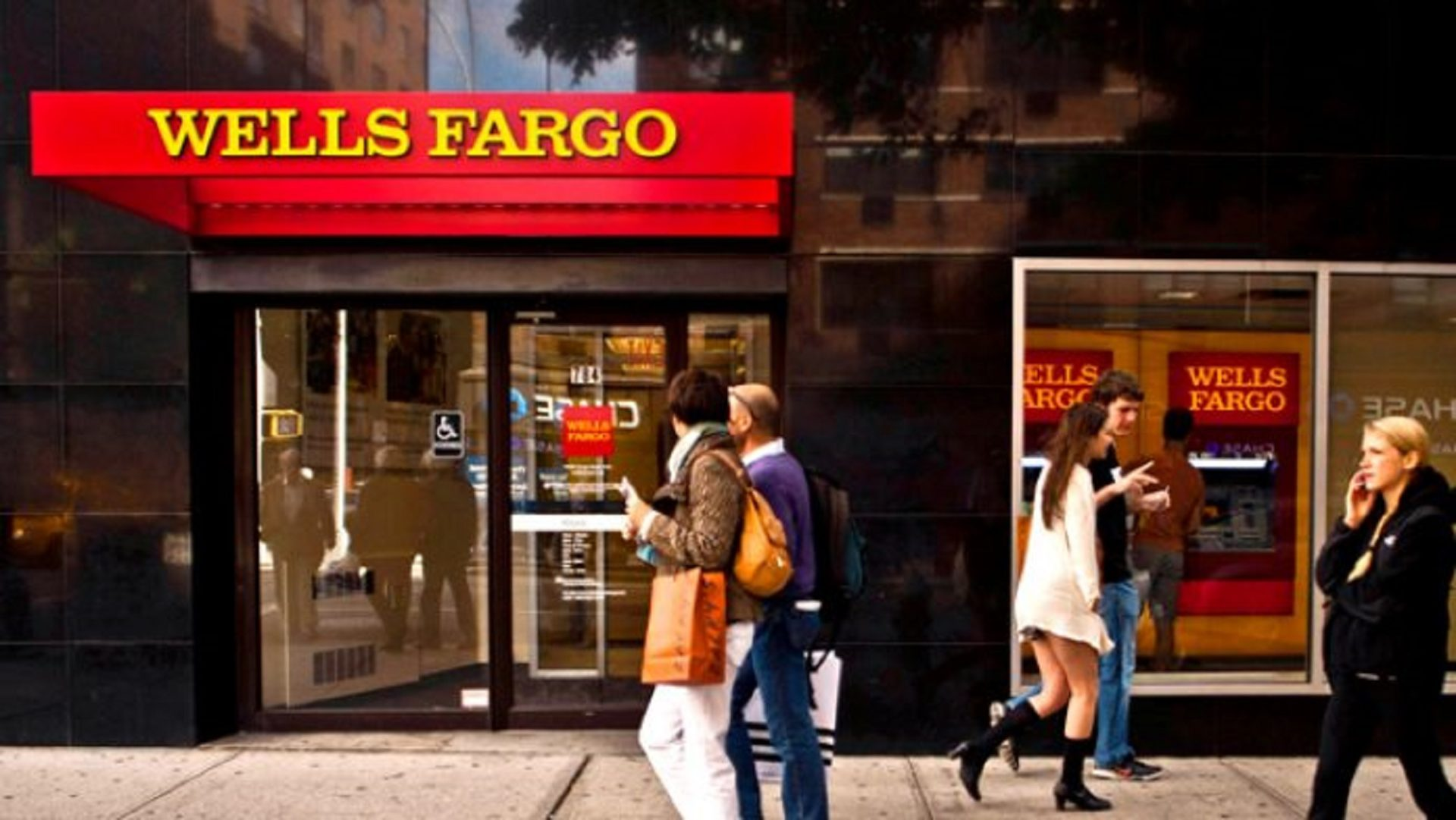 5 Reasons Why Wells Fargo Bank May Send You a FREE Check Soon — #Free Money
